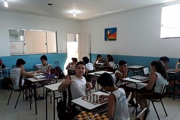 Turma do 5º Ano B desenvolve Projeto de Matemática utilizando jogos